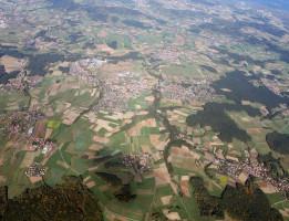 Eckental aus der Luft (Bild vom NOVUM Verlag)